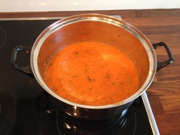 Rezept: Leckere Pizzasoße - mit frischen Tomaten