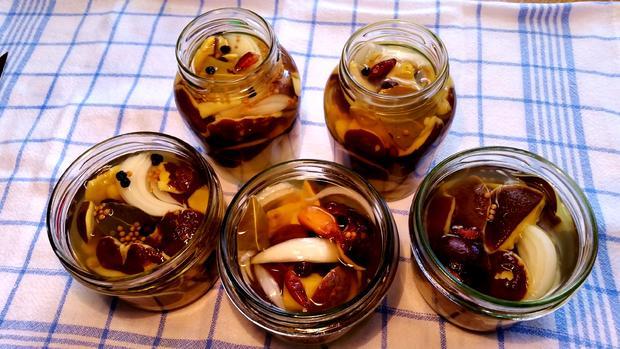 Pilze in Gewürzsud eingelegt und haltbar gemacht - Rezept - Bild Nr. 1647