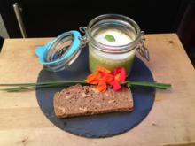 """""""Krüdderblubber"""" - Kräuterschaumsuppe und selbst gebackenes Brot - Rezept - Bild Nr. 1644"""