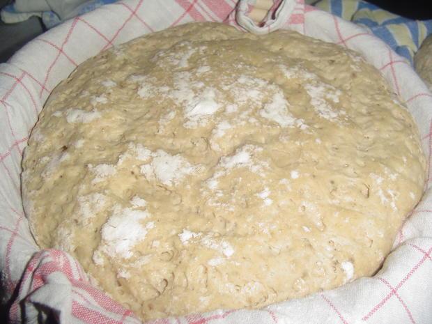 Leckeres Brot aus 700 gramm Sauerteig - Rezept - Bild Nr. 1677