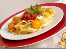 "Sauce Bolognese an ""Pasta all' Uovo"" &  Cocktailtomaten - Rezept - Bild Nr. 1779"