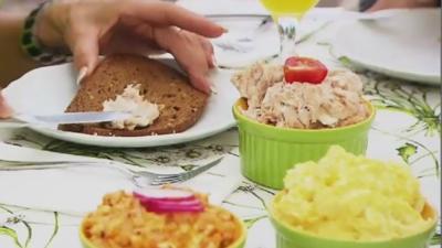 Brotaufstrich mal anders: Butter-Eier-, Tomaten-Frischkäse- und Avocado-Aufstrich - Rezept - Bild Nr. 1900