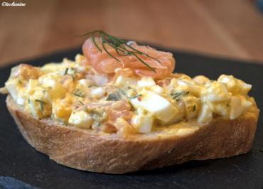 Rezept: Eiersalat mit Lachs