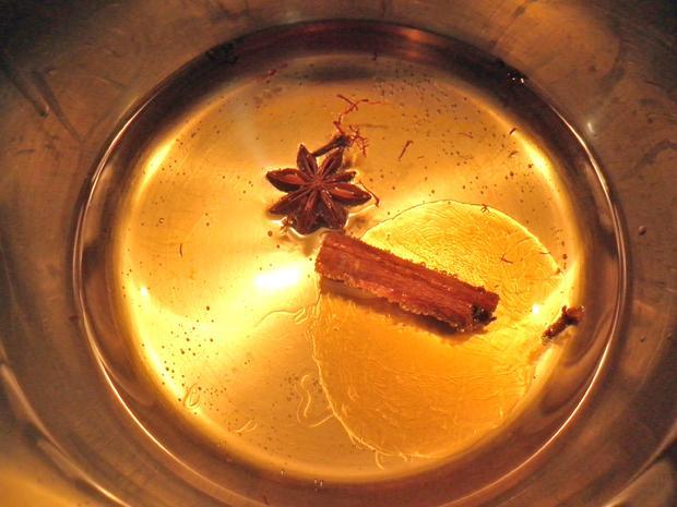 Schokoladen - Tarte ... mit Safranbirnen - Rezept - Bild Nr. 2050