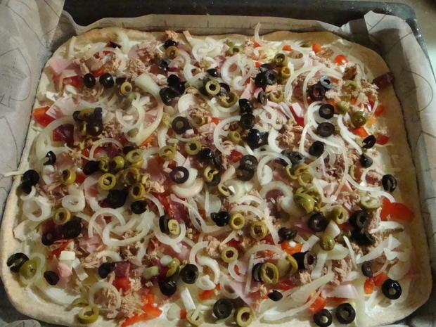 Bunte Pizza mit Quark- Öl-Teig pikant - Rezept - Bild Nr. 2052