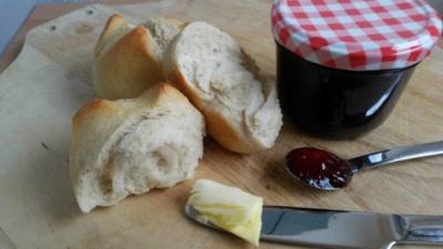 Rezept: Buttermilch - Anis - Brötchen