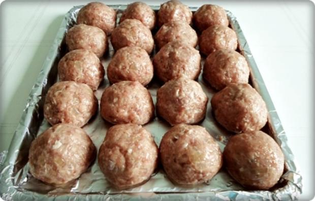 Mini Fleischbällchen am Spieß mit scharfer Tomatensauce - Rezept - Bild Nr. 2117