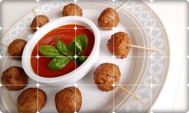 Mini Fleischbällchen am Spieß mit scharfer Tomatensauce - Rezept - Bild Nr. 2124