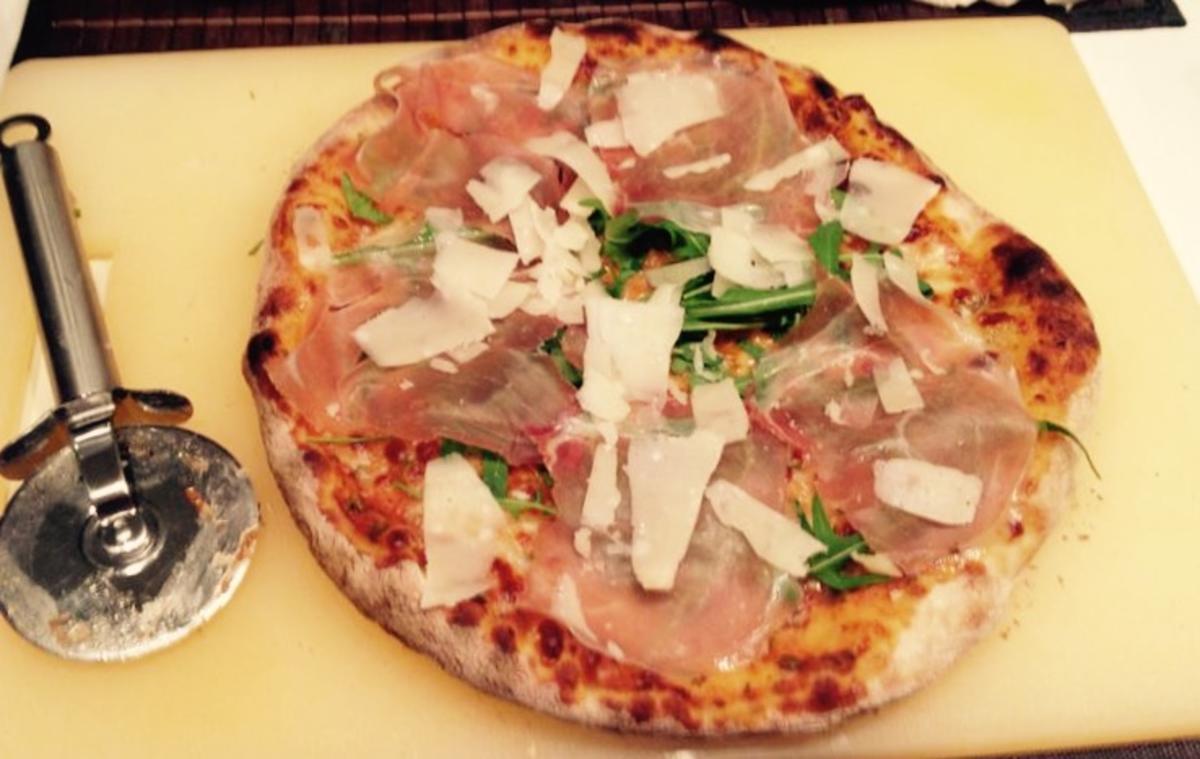 Pizzateig weltmeisterlicher pizzateig rezept mit bild for Pizza haus braunschweig