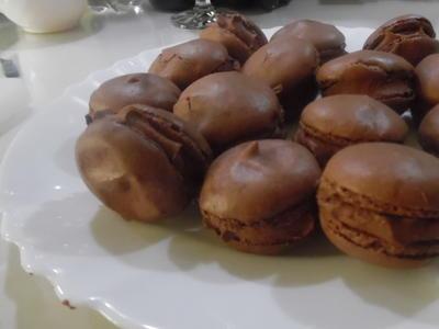 Macarons mit Schokoladen-Füllung - Rezept - Bild Nr. 2123