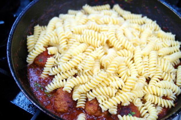 Pasta mit Fleischbällchen - Rezept - Bild Nr. 2181