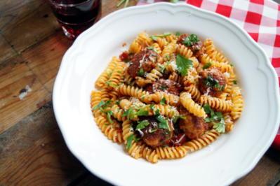 Pasta mit Fleischbällchen - Rezept - Bild Nr. 2182