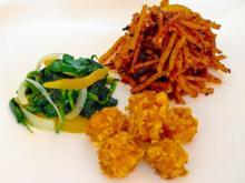 Tofunuggets mit scharfen Kartoffelstreifen und Spinat-Aprikosen-Gemüse - Rezept - Bild Nr. 2285