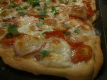 Tomate-Mozzarella-Pizza ohne SchnickSchnack! - Rezept - Bild Nr. 2357