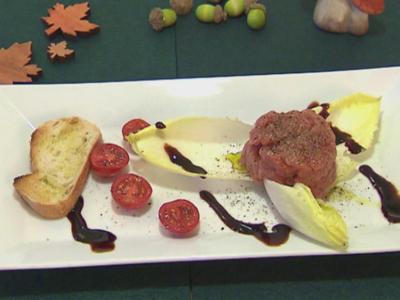 Jungbullen-Carne auf Blattsalat - Rezept - Bild Nr. 2377