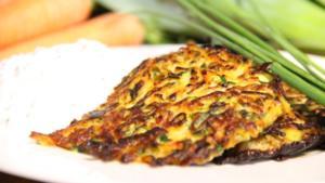 Zucchini-Möhren-Krusti mit Frühlingsquark - Rezept - Bild Nr. 2491
