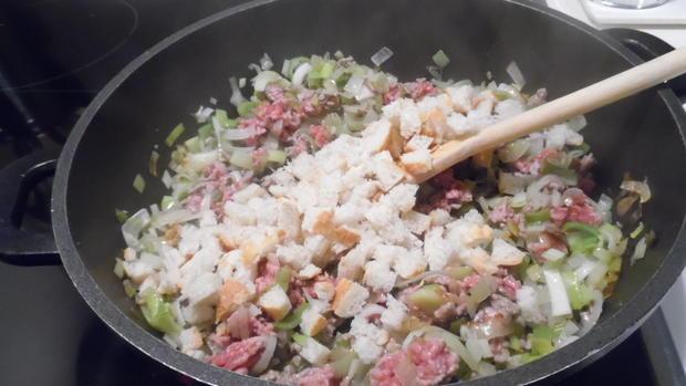 """Gefüllte Klöße, """"g'fillte Knepp"""" mit Salat - Rezept - Bild Nr. 2565"""