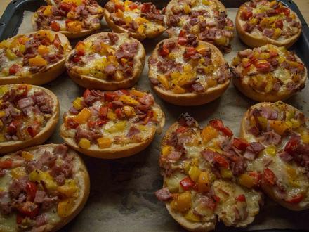 Pizzabrötchen - Rezept - Bild Nr. 2775