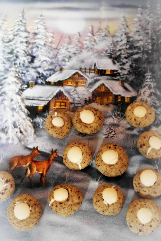 weihnachtspl tzchen anis nuss makronen rezept. Black Bedroom Furniture Sets. Home Design Ideas