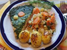 Wildlachsfilet mit Zwiebel-Möhren-Sellerie-Gemüse und Korianderkartoffeln - Rezept - Bild Nr. 2794