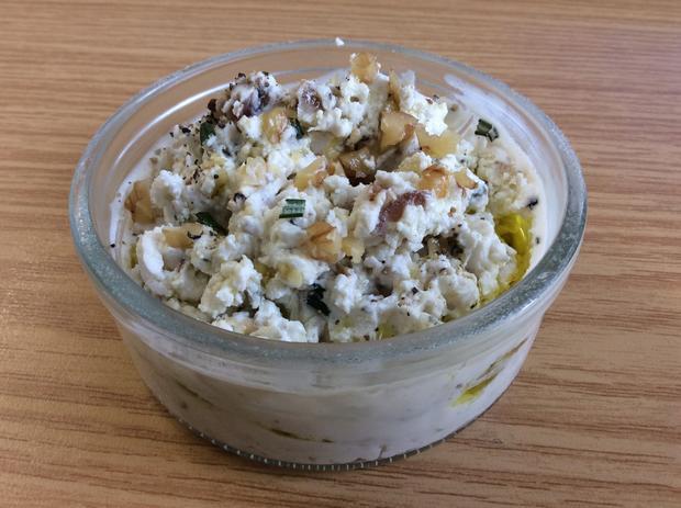 Ziegenfrischkäse-Creme mit Walnüssen, Ingwer und Dattel - Rezept - Bild Nr. 2834