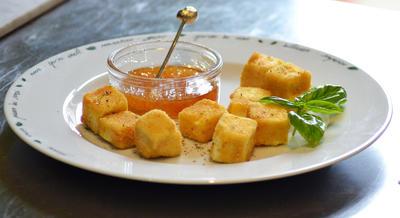 Rezept: Feta paniert an Honig-Feigensenf-Sosse