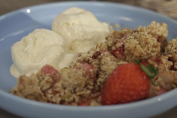 Erdbeer-Rhabarber-Crumble - Rezept - Bild Nr. 3196