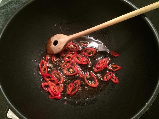 Hähnchenbrust Gong Bao Style - Rezept - Bild Nr. 3211