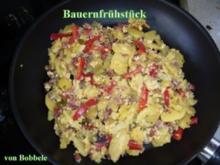 Hauptspeise: Bauernfrühstück mit Schwarzwälder Katenwurst und Paprika - Rezept