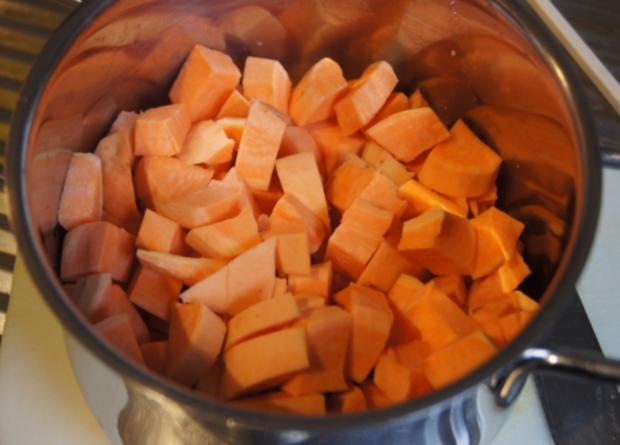 Buletten mit Süßkartoffelstampf und Rosenkohl - Rezept - Bild Nr. 3234
