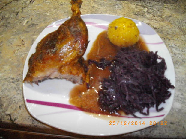 Knusprige Ente mit Rotweinsoße und Apfelblaukraut - Rezept - Bild Nr. 3289
