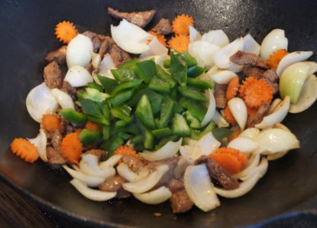 Wok-Kalbsleber mit Gemüse und Reis - Rezept - Bild Nr. 3460