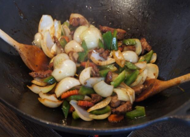 Wok-Kalbsleber mit Gemüse und Reis - Rezept - Bild Nr. 3461