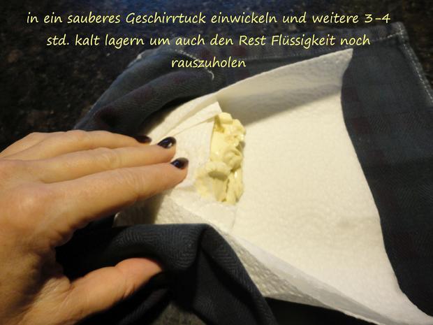 """Vegane """" Topfen """" Knödel in Nußbrösel auf Fruchtspiegel - Rezept - Bild Nr. 3544"""