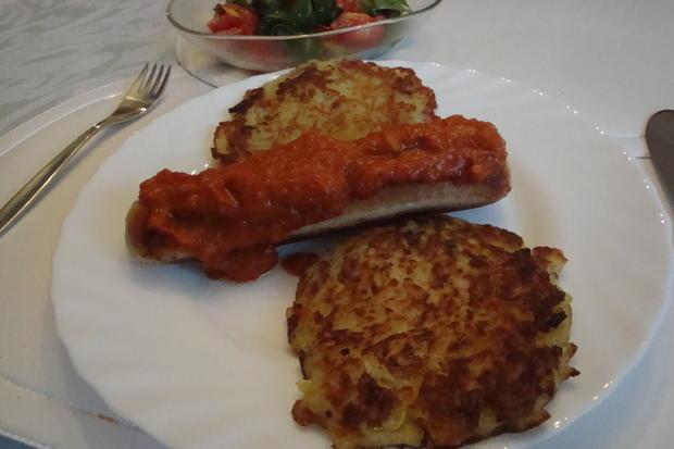 Curry-Sauce pikant, mit Wurst und Kartoffelpuffer - Rezept - Bild Nr. 3701