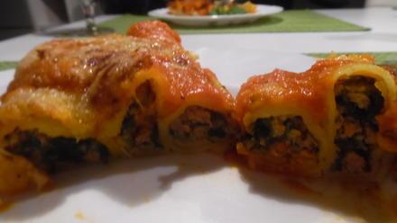 Cannelloni mit Kalbfleisch-Spinat-Füllung - Rezept - Bild Nr. 3852