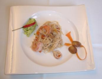 Spaghettini mit Meeresfrüchten an Avocadotatar - Rezept