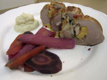 Gefülltes Schweinefilet mit Blumenkohl und Karotten - Rezept - Bild Nr. 4003