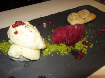 Schweineohren mit weißem Schokoladen-Blumenkohl-Mousse und Granatapfel-Sorbet - Rezept - Bild Nr. 4021