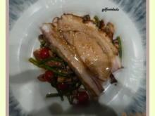 Gefüllter Schweinebauch mit Bohnen-Pilz-Salat - Rezept - Bild Nr. 4021