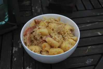 Rezept: Sauerkraut-Gnocchi-Pfanne mit Kasseler
