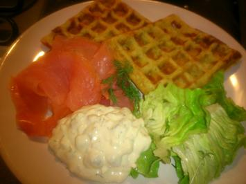 Kartoffelwaffeln mit Lachs & Eier-Gurken-Dill-Quark - Rezept - Bild Nr. 4113