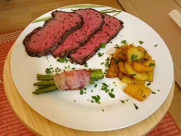 Rezept: Roastbeef an Sauce mit Bratkartoffeln und Speckbohnen