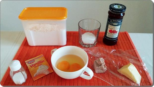 Goldbraun gebackene Faschingskrapfen mit feinem Fruchtaufstrich  gefüllt - Rezept - Bild Nr. 4205
