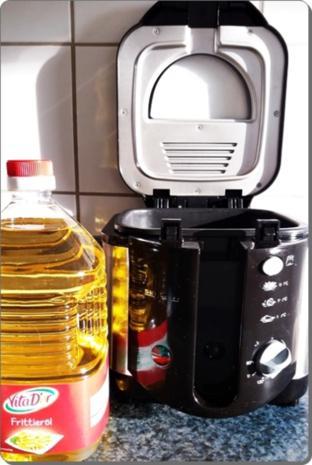 Goldbraun gebackene Faschingskrapfen mit feinem Fruchtaufstrich  gefüllt - Rezept - Bild Nr. 4224