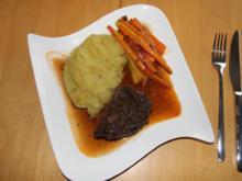Kalbsbäckchen an Chiantisoße mit karamellisierten Möhren und Kartoffelstampf - Rezept - Bild Nr. 4352