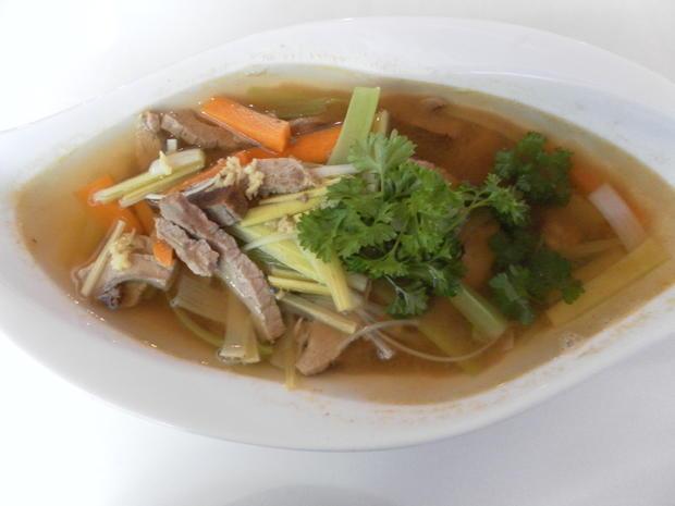 Rinderbraten-Dreierlei: Rindfleischsalat, -suppe und -soße - Rezept - Bild Nr. 4366