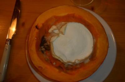Rezept: Kürbispüree mit Ziegenkäse überbacken