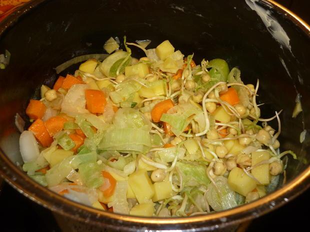 Gemüsesuppe mit Kichererbsensprossen - Rezept - Bild Nr. 4468