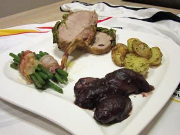 Ibérico im Kräutermantel mit Speckbohnen, Rosmarinkartoffeln und Rotweinscharlotten - Rezept - Bild Nr. 4578